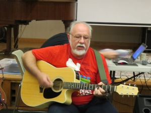 "Nelson LeDuc plays his new song for the challenge ""Start"""